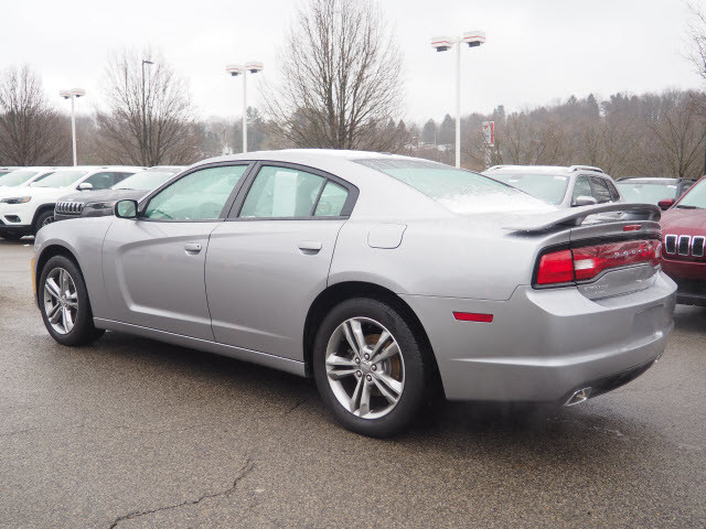 Pre-Owned 2014 Dodge Charger SXT